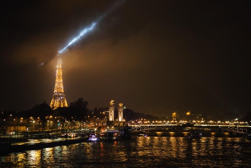 6 creative ideas for rewarding photography on rainy nights night photography in the rain 8 fandeluxe Document